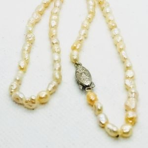 BEAUTIFUL FRESH WATER PEARLS VINTAGE NECKLACE